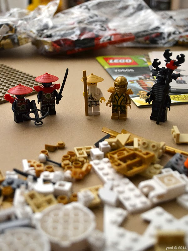 lego ninjago temple of light - backlit minifigs