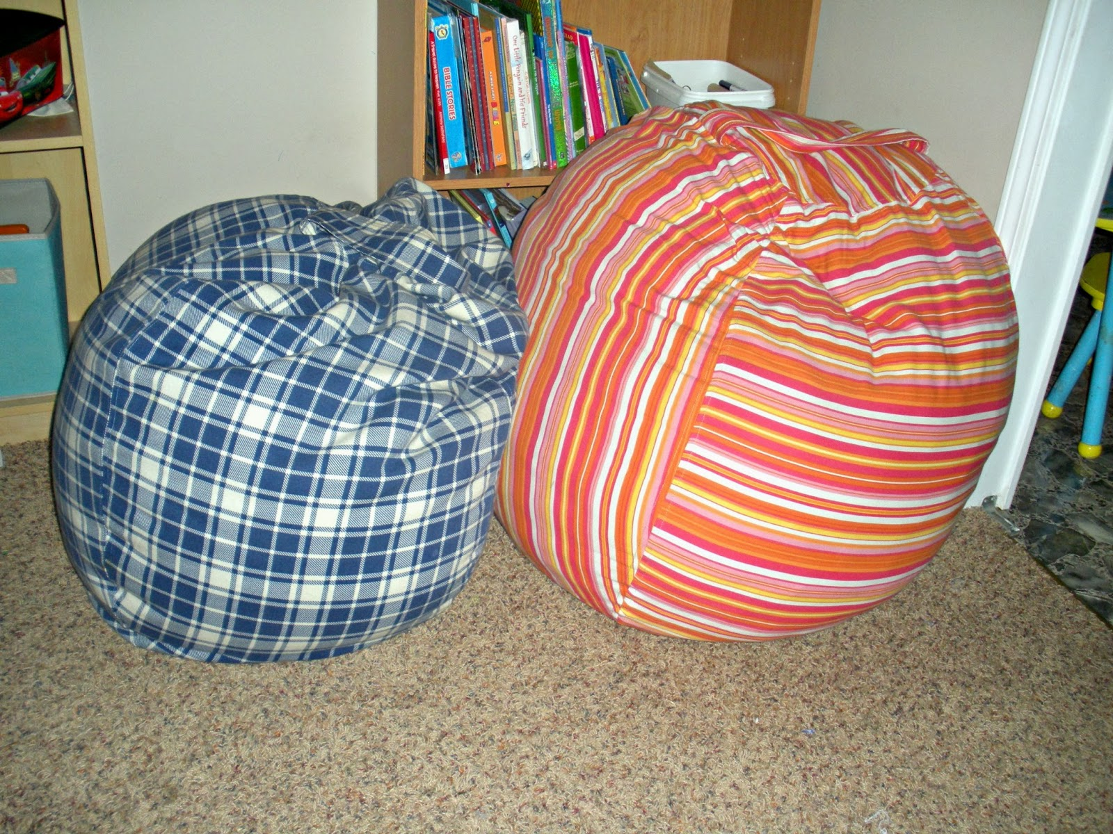 paper tape pins diy rollie pollie bean bag chairs 3 years later. Black Bedroom Furniture Sets. Home Design Ideas