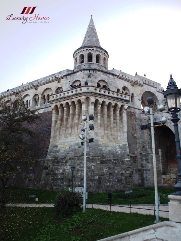 budapest tourist attractions castle hill fisherman bastion