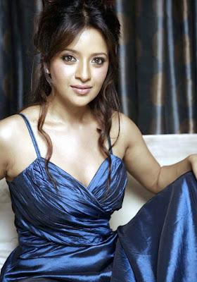 Reema Sen in Navy Blue Night Gown - Night Dresses Online