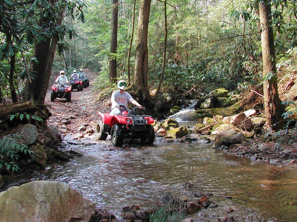 Ride 4 Wheelers in the Smoky Mountain Area