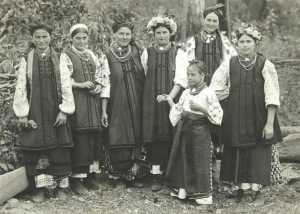 Стародавні українські дівочі зачіски