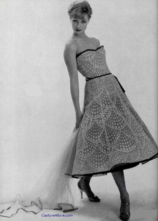 Couture allure vintage fashion chanel dress 1957 for 1960 s haute couture