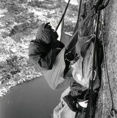 cara tidur para pemanjat tebing