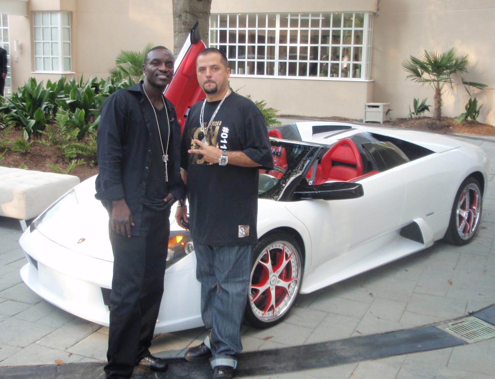 http://2.bp.blogspot.com/-fSChpQs4OiM/UOgmz1fr5jI/AAAAAAAAAhs/XSIrTlzgefE/s1600/Car+Akon+1.jpg