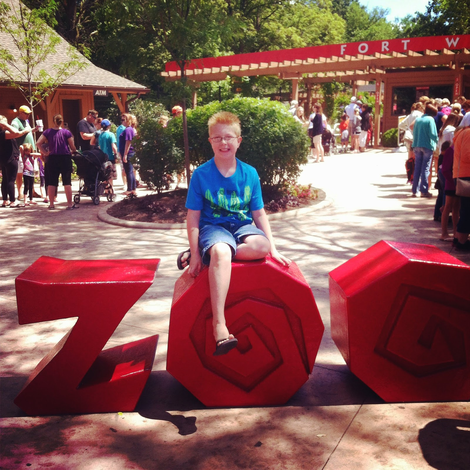 our amazing day at the zoo {a feature}
