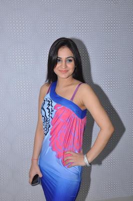 aksha new hot images