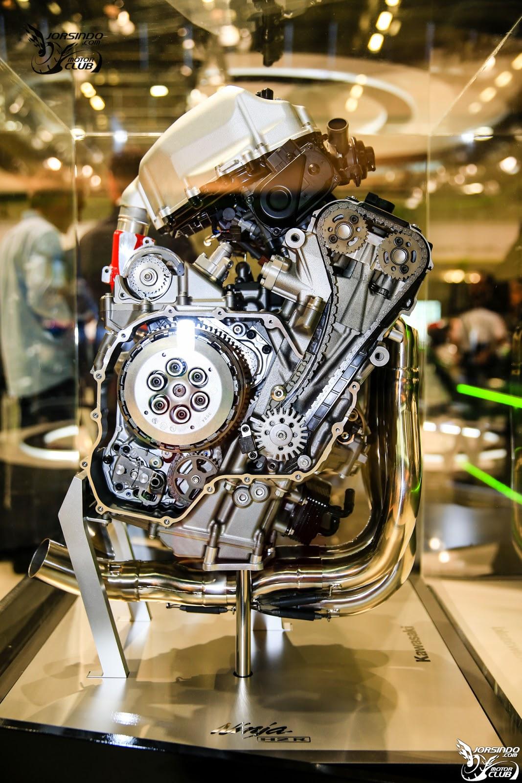 Kawasaki Ninja H2 engine