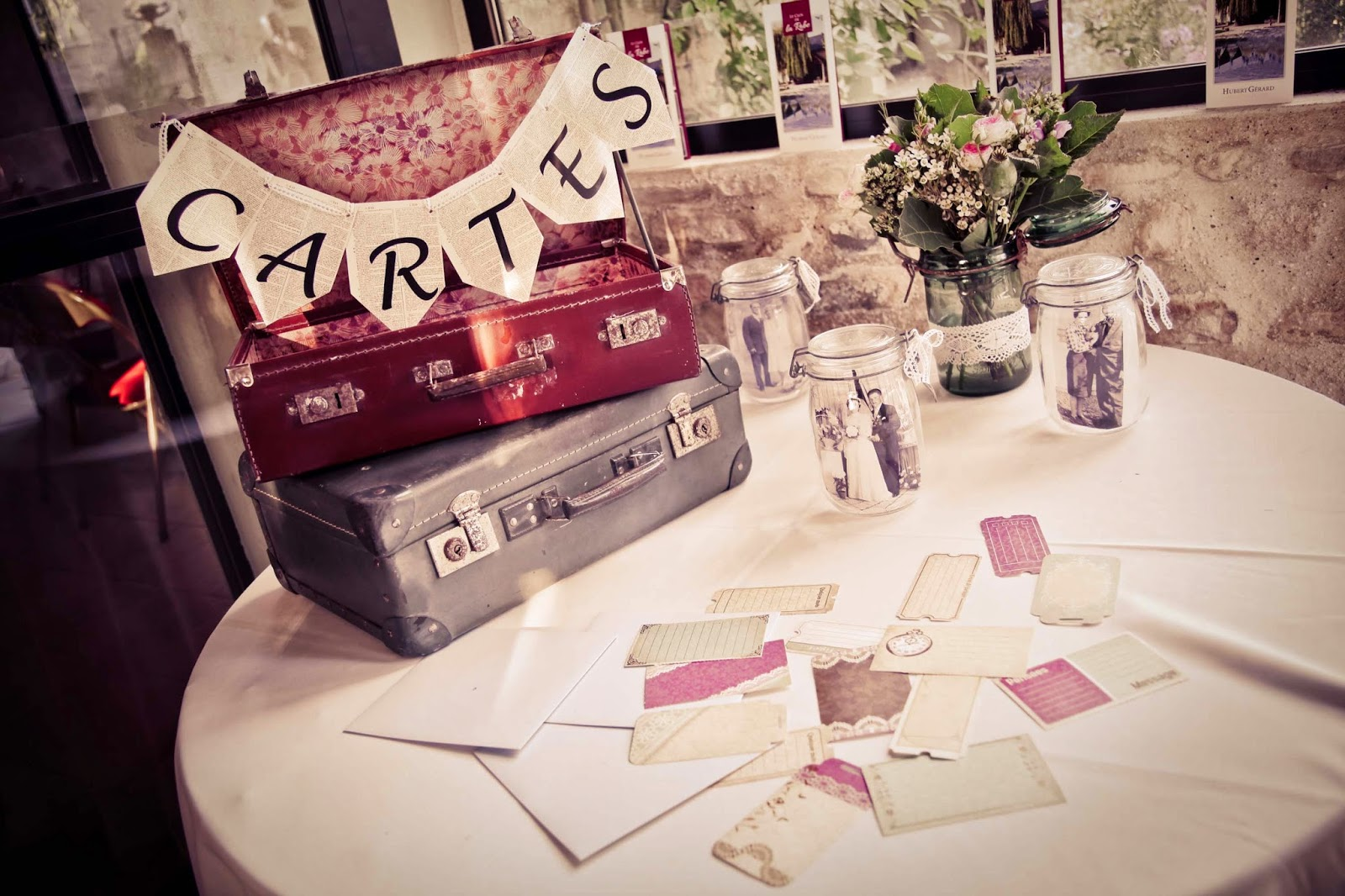 Wedding message cards idea - wedding sweet table - wedding photography by Elisabeth Perotin