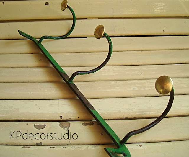 Kp tienda vintage online perchero de pared vintage verde - Modelos de percheros de pared ...