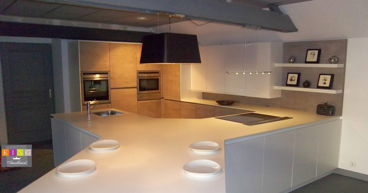 Realisations dressings cuisines salles de bains refection for Planche laquee blanc sur mesure
