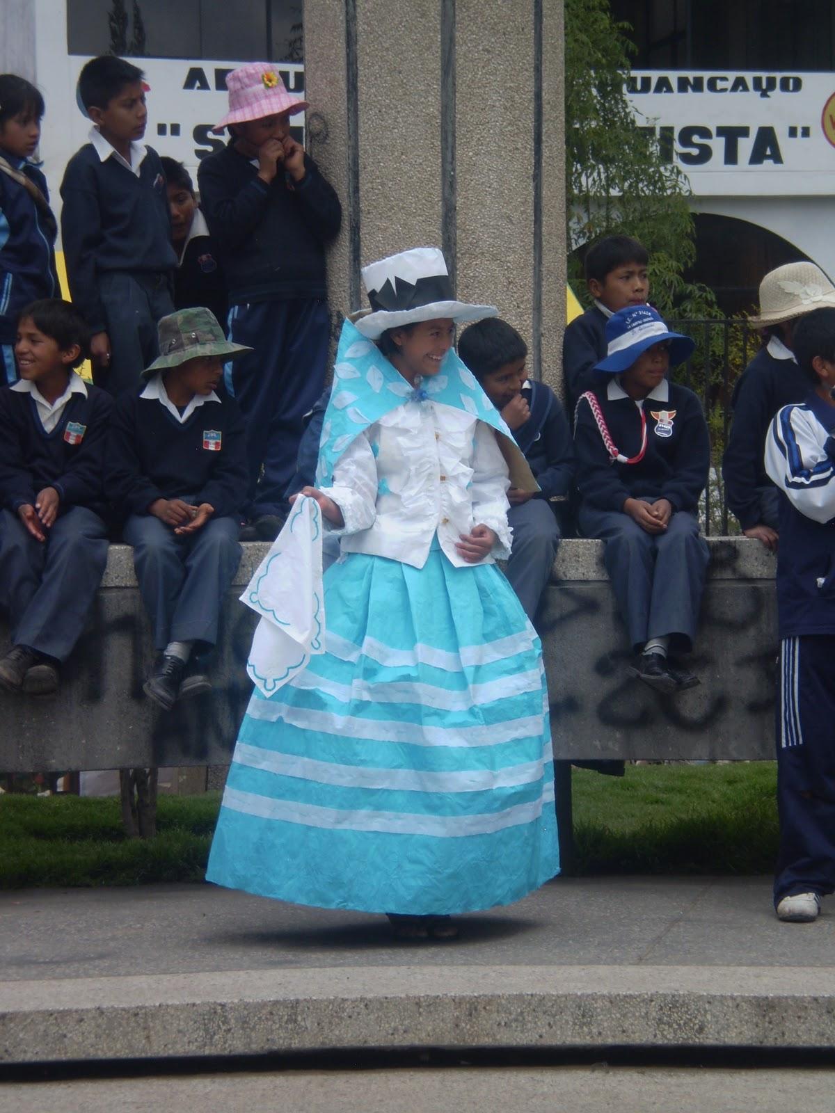Traje Tipico De Peru