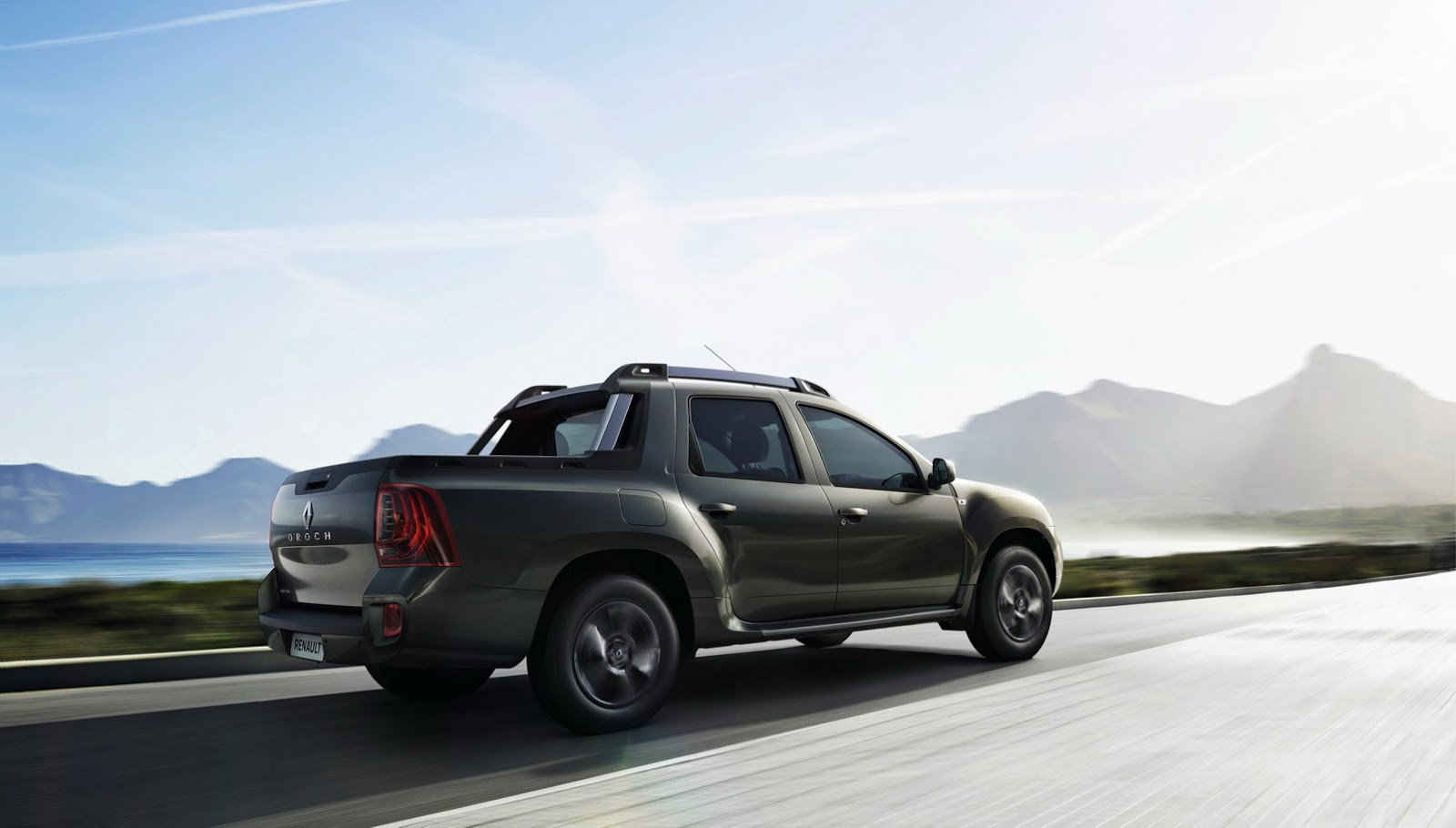 this is renault 39 s new duster oroch small pickup truck carscoops. Black Bedroom Furniture Sets. Home Design Ideas