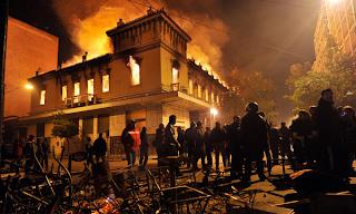 http://2.bp.blogspot.com/-fUQX7QiB7TA/Tzi5JJXjfSI/AAAAAAAAOQA/D543F8JeHBk/s1600/Greece%2BBurning5.png
