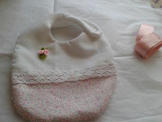 Babero para recien nacida