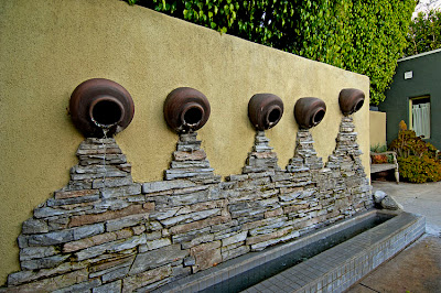 Ideas para decorar el jard n ideas decoraci n ig for Decoracion pared exterior jardin
