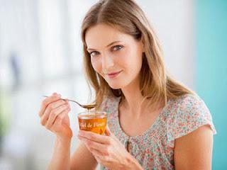 Diet menggunakan madu dapat menjadi pilihan.