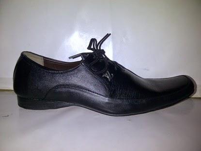 Sepatu Pantofel Vuitton