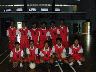 Tim Bola Voli SMPN 169 Jakarta di POR Pelajar Jakbar
