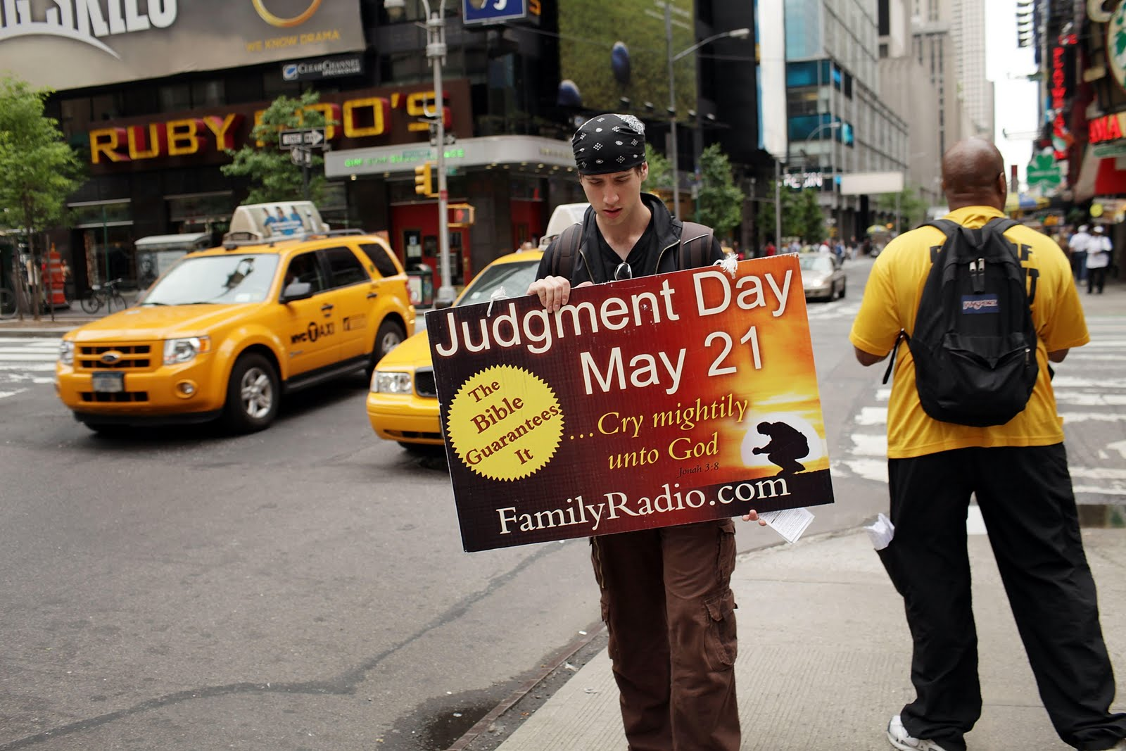 jugment day Answered by ustadh tariq abdul-rasheed question: assalamu alaikum some  people say that on judgment day we will be running after.