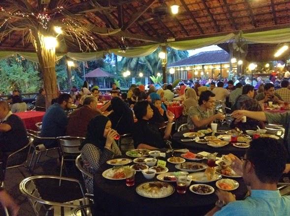 berbuka puasa di restoran cerana, restoran cerana, majlis iftar di restoran cerana, buffet ramadhan di restoran cerana, gambar-gambar di restoran cerana