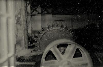 rueda pelton fabrica clot del moro asland abandono tren cement cemento