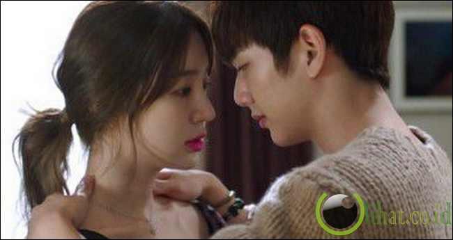Tipe ciuman hot dalam drama korea