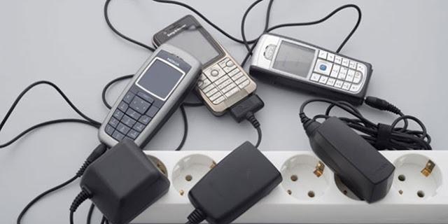 10 Kelebihan Handphone Jadul yang Gak Dimiliki Smarphone Masa Kini