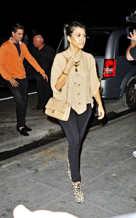 Paola Loves To Shop Style Love Kourtney Kardashian