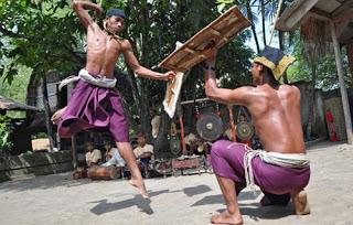 KEBUDAYAAN SUKU SASAK (Masyarakat dan Kebudayaan Suku Sasak di Pulau Lombok)