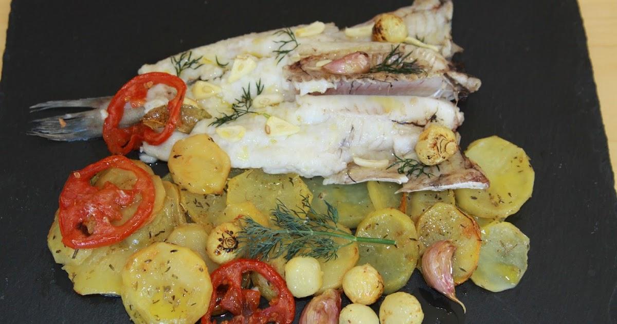 Cocinar y cantar merluza fresca al horno con patatas - Cocinar merluza al horno ...