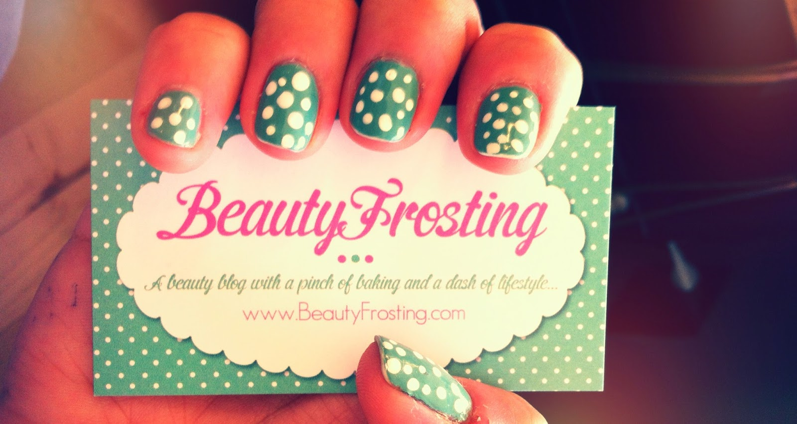 Cartões de visitas criativos para manicures
