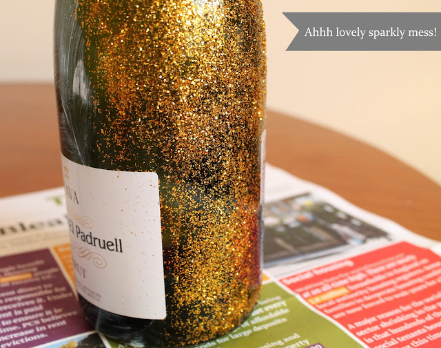 How to create a glitter champagne bottle