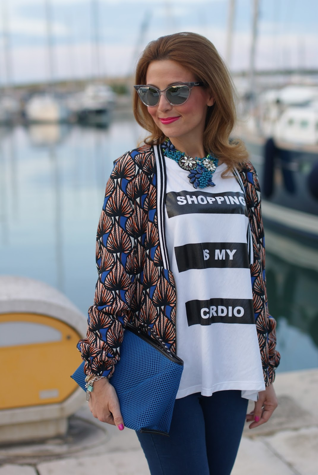 Shopping is my cardio tee, SimonaB Bijoux necklace and Zara clutch on Fashion and Cookies fashion blog