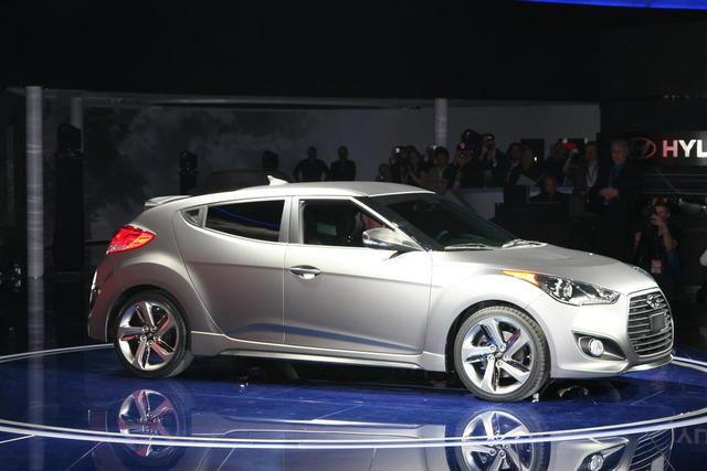 ... O Novo Hyundai Veloster Turbo 2013 Com 201 Cavalos De Potência, Em Uma  Estréia Mundial No North American International Auto 2012 Show (NAIAS).