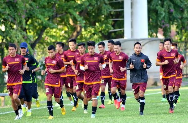 Chiều nay ĐT Việt Nam lên đường chuẩn bị cho trận bán kết AFF Cup
