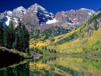 Gambar-Gambar Lembah di Pegunungan Paling Keren