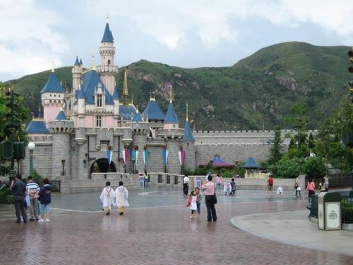 disneyland castle pictures. disneyland logo castle