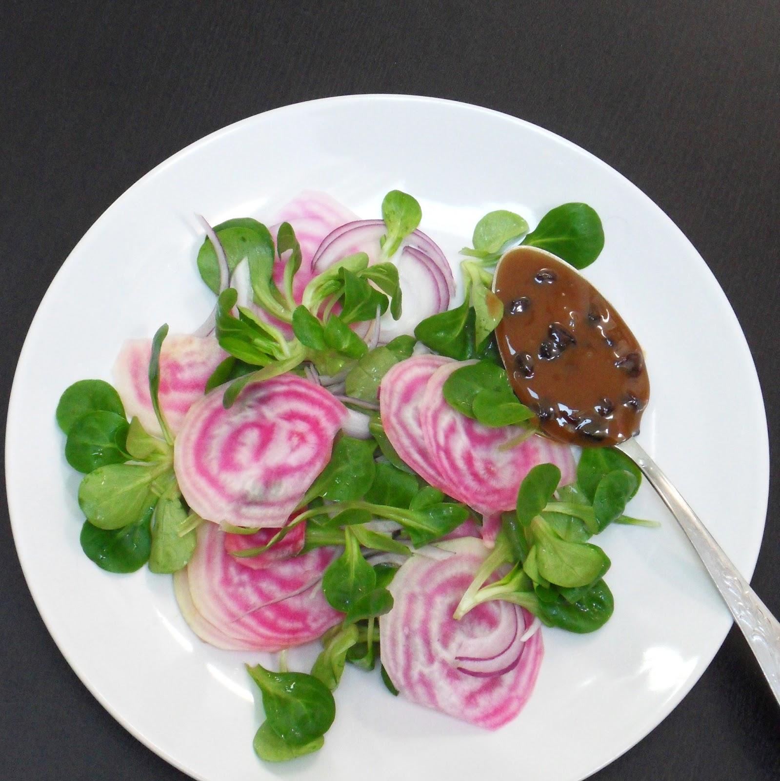 diana 39 s cook blog la m che et la betterave salade de m che et de betterave rose vinaigrette. Black Bedroom Furniture Sets. Home Design Ideas