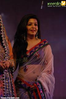 anchor blessy kurien hot photos in saree and churidar