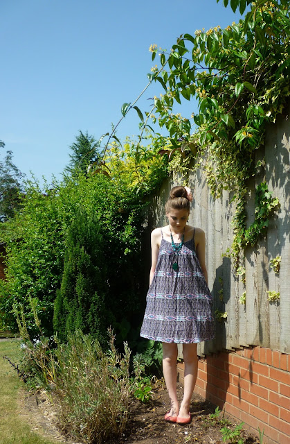 1960s inspired outfit via lovebirds vintage