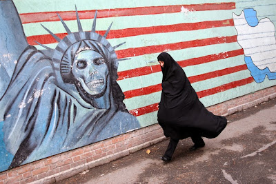 Tehran+Removes+Anti-US+Posters-us-embass