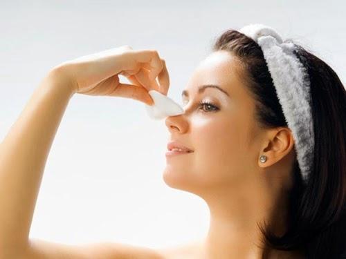 Phương pháp trị mụn cám ở mũi và cằm
