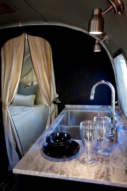 Glamping: Glamour y Camping en una renovada caravana Airstream