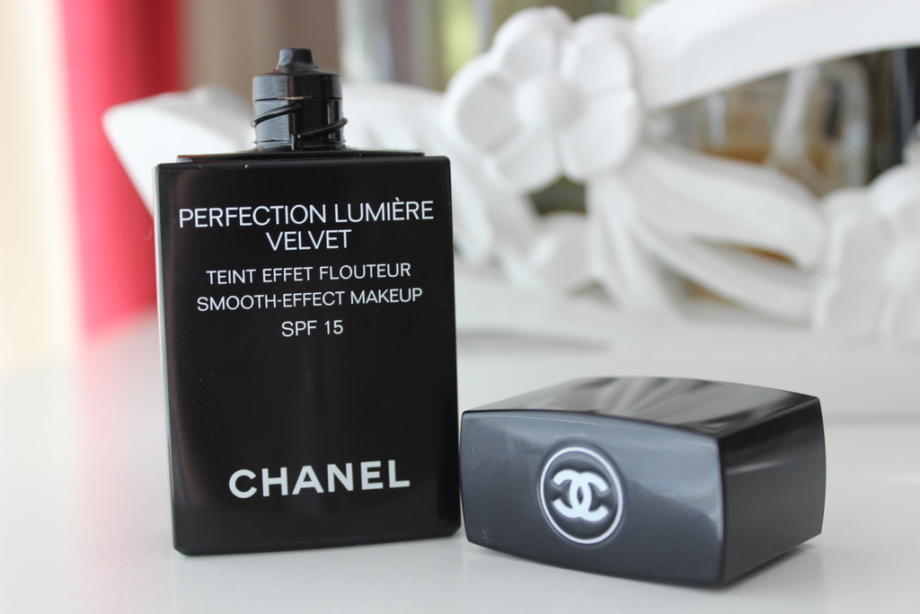 chanel perfection lumiere velvet review with before. Black Bedroom Furniture Sets. Home Design Ideas