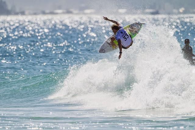 47 Quiksilver Pro Gold Coast 2015 Bede Durbidge Foto WSL Kelly Cestari