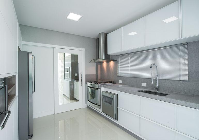 Silestone saiba tudo sobre essa pedra e veja 10 cozinhas e banheiros lindos!  # Armario De Cozinha Branco E Cinza