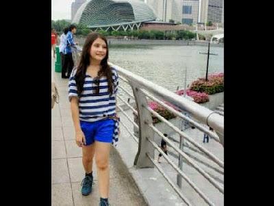 Foto Cantik Prilly Latuconsina cantik lagi jalan