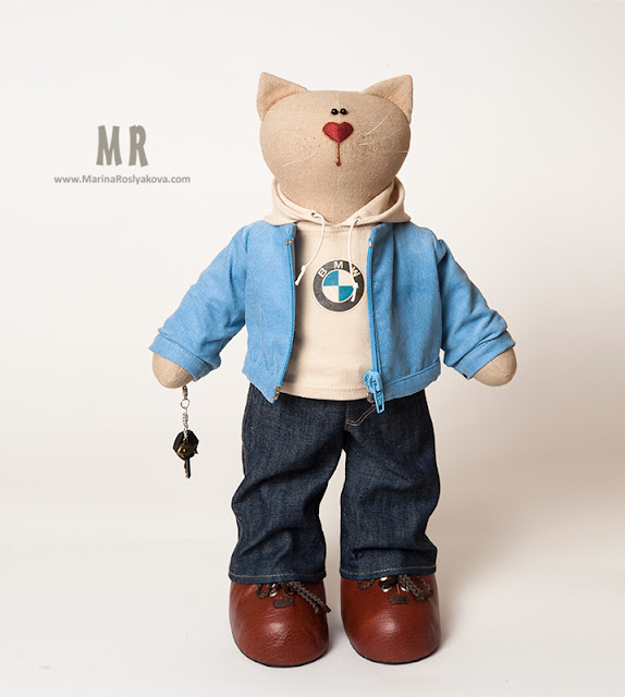 Текстильная игрушка Кот автомобилист в модной одежде. Игрушки ручной работы от Марины Росляковой, hande-made Marina Roslyakova