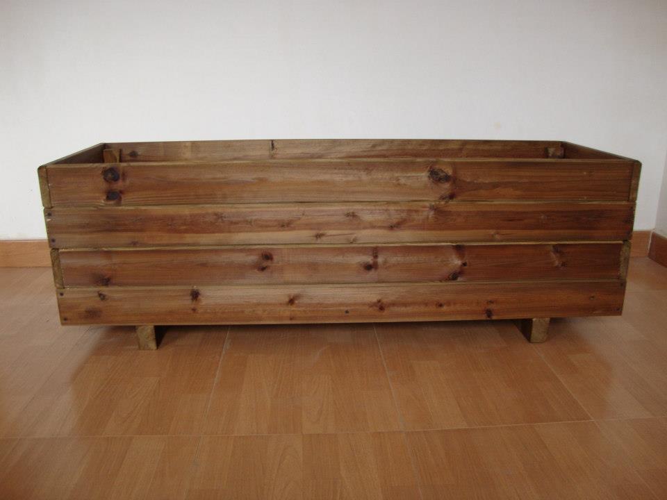 Jardineras de madera tratada para exterior for Jardineras de madera para exterior